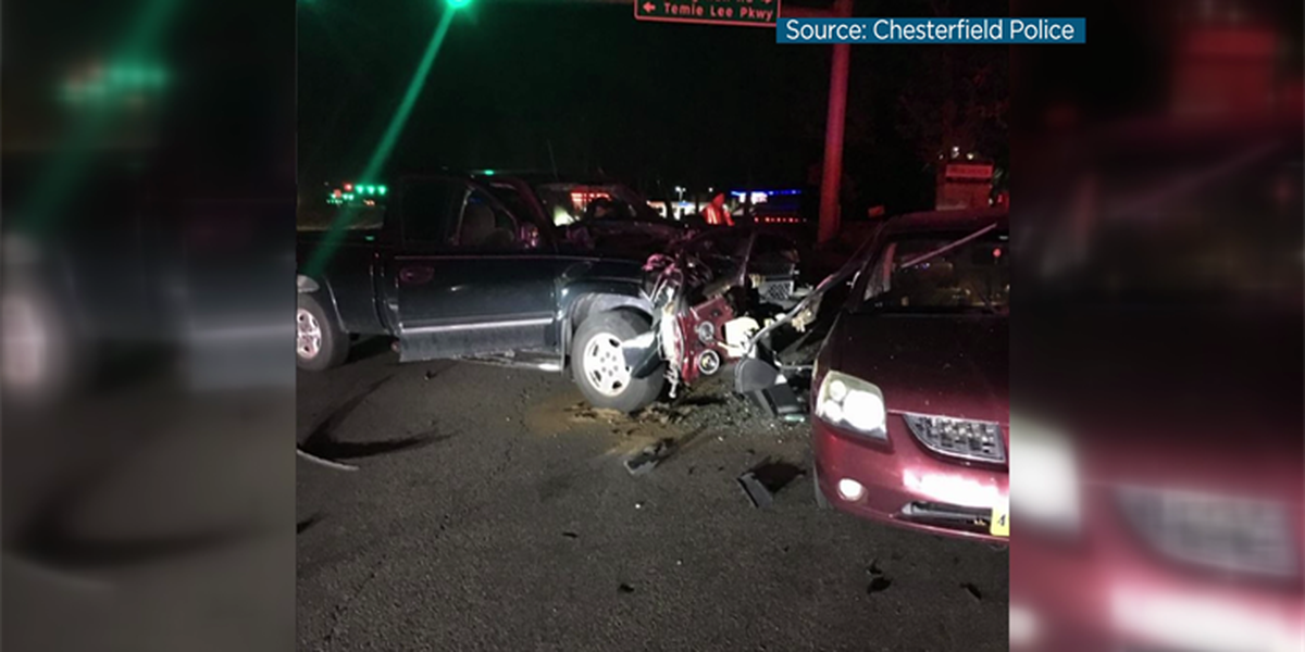 1 person in hospital after crash in Chesterfield