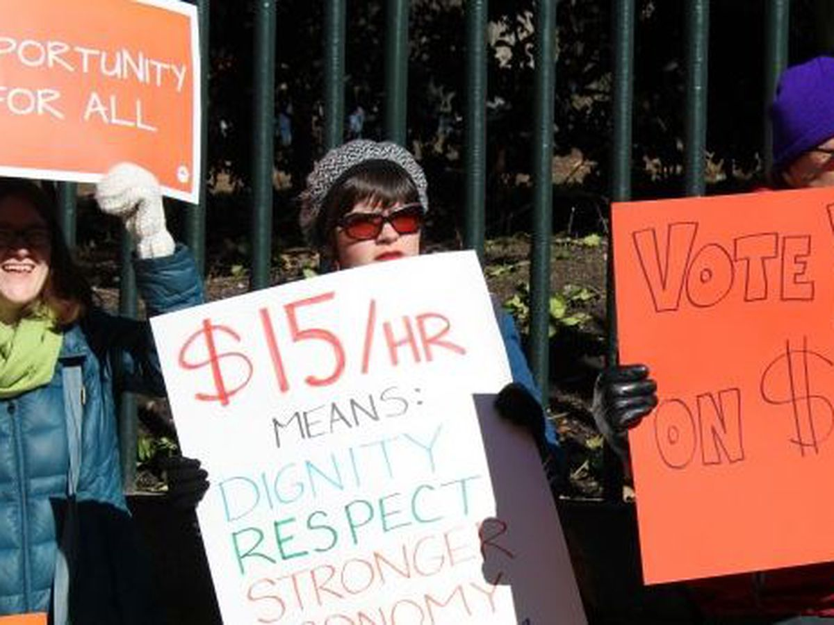 Advocates want Northam to expand minimum wage bill, others say recession demands delay