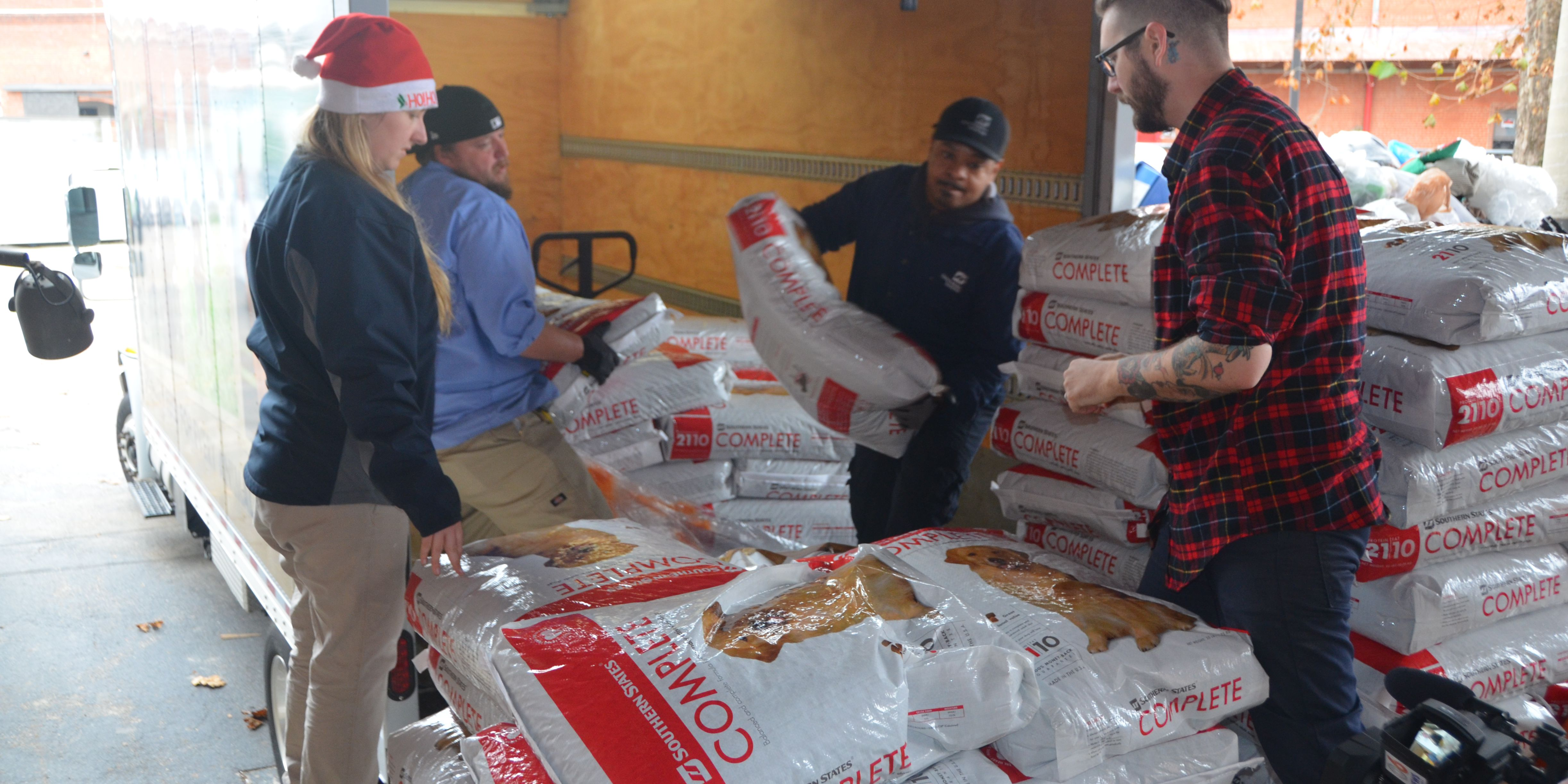 4 tons of pet food donated to Richmond-area shelters