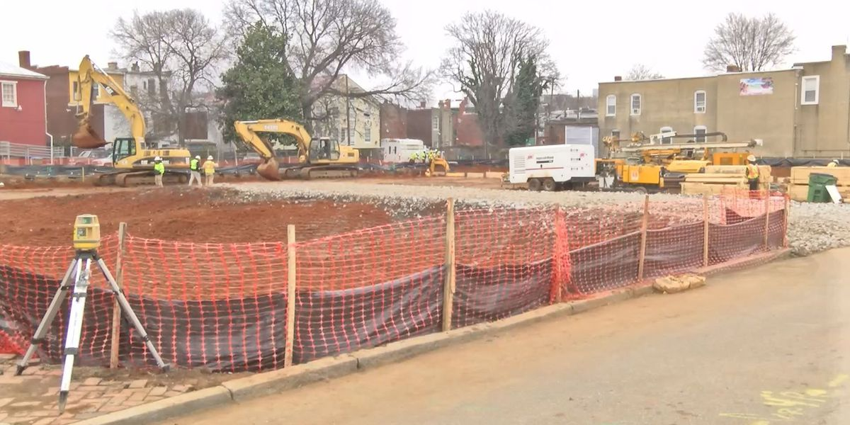Gas main break closes two streets