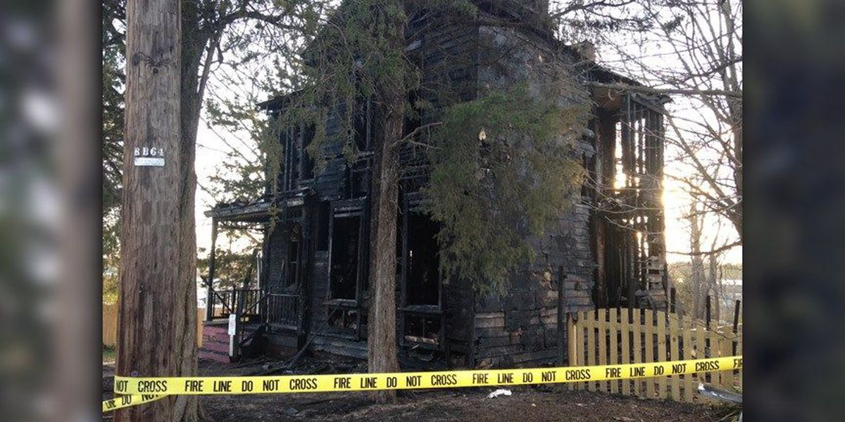 7 people displaced in Henrico house fire, family searching for dog