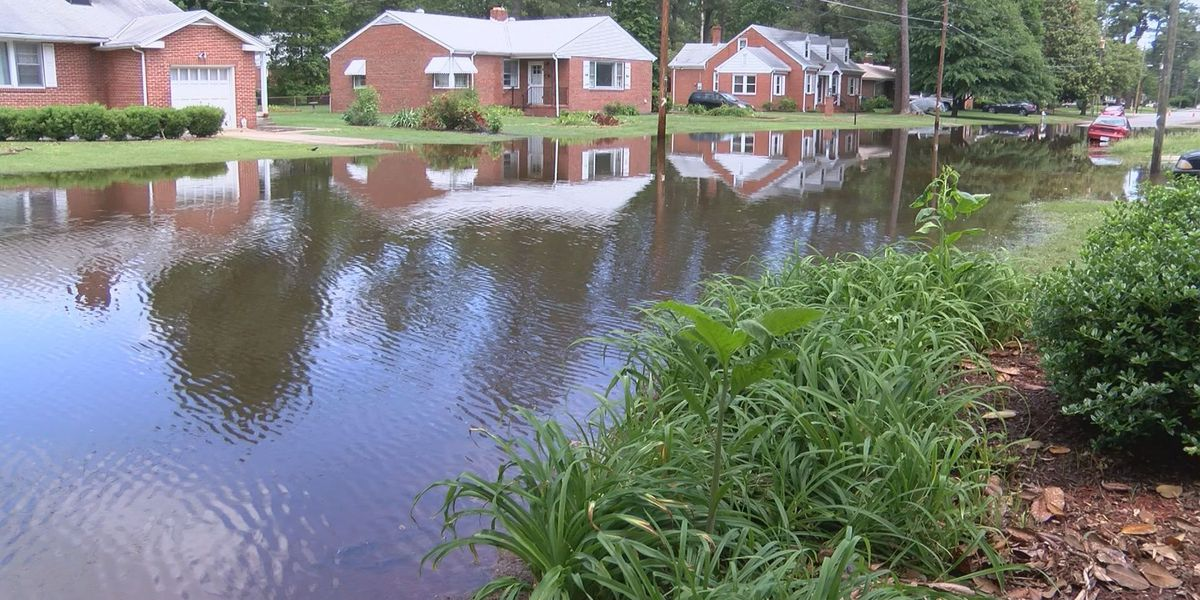 Flooding leaves homeowners trapped for days