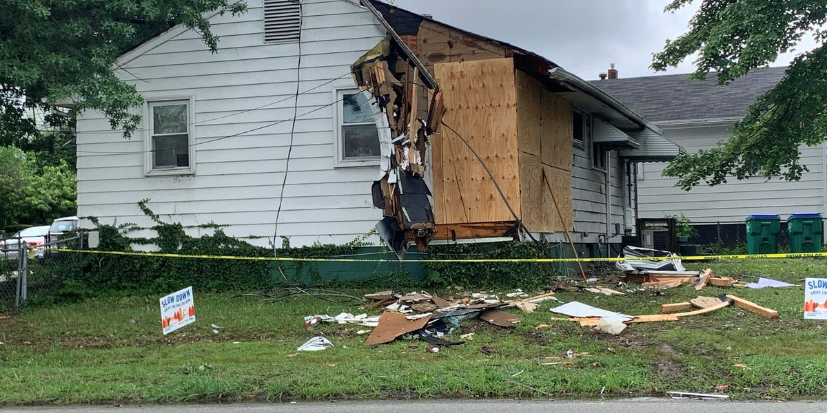 2 people injured after suspected drunk driver slams into home