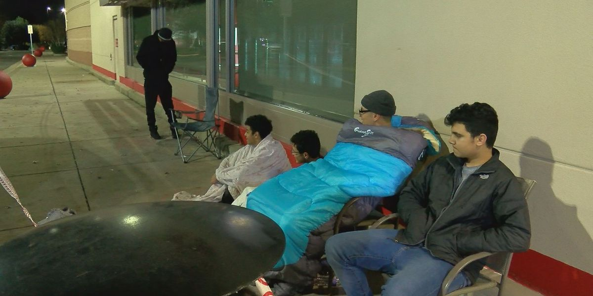 Black Friday yields smaller crowds