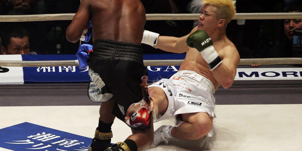 Mayweather stops Nasukawa in 1st round, flooring him 3 times