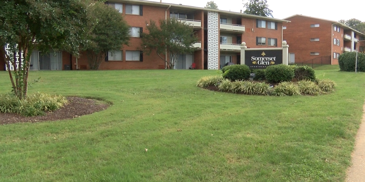 'We have no hot water or gas': Residents at apartment complex say they are unsafe
