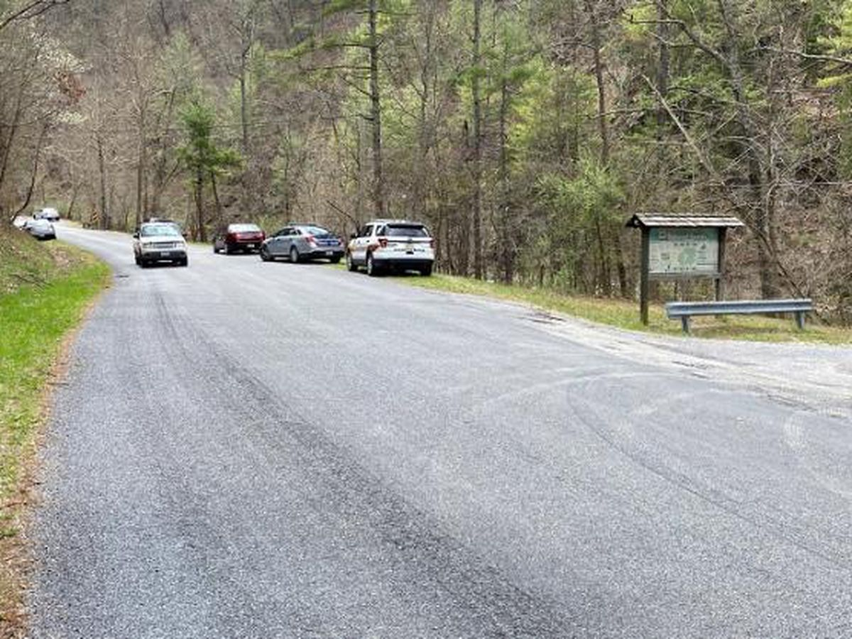 Virginia deputy shoots, kills man after gunfire exchanged