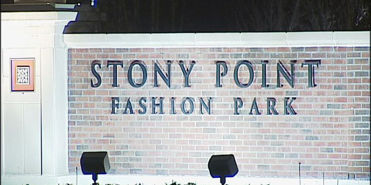 Stony Point Fashion Park will remain open, reduces hours