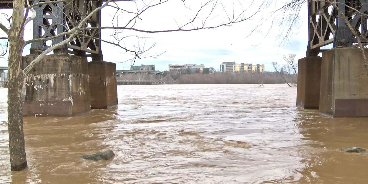 School officials: Kayaker rescued on James River has died