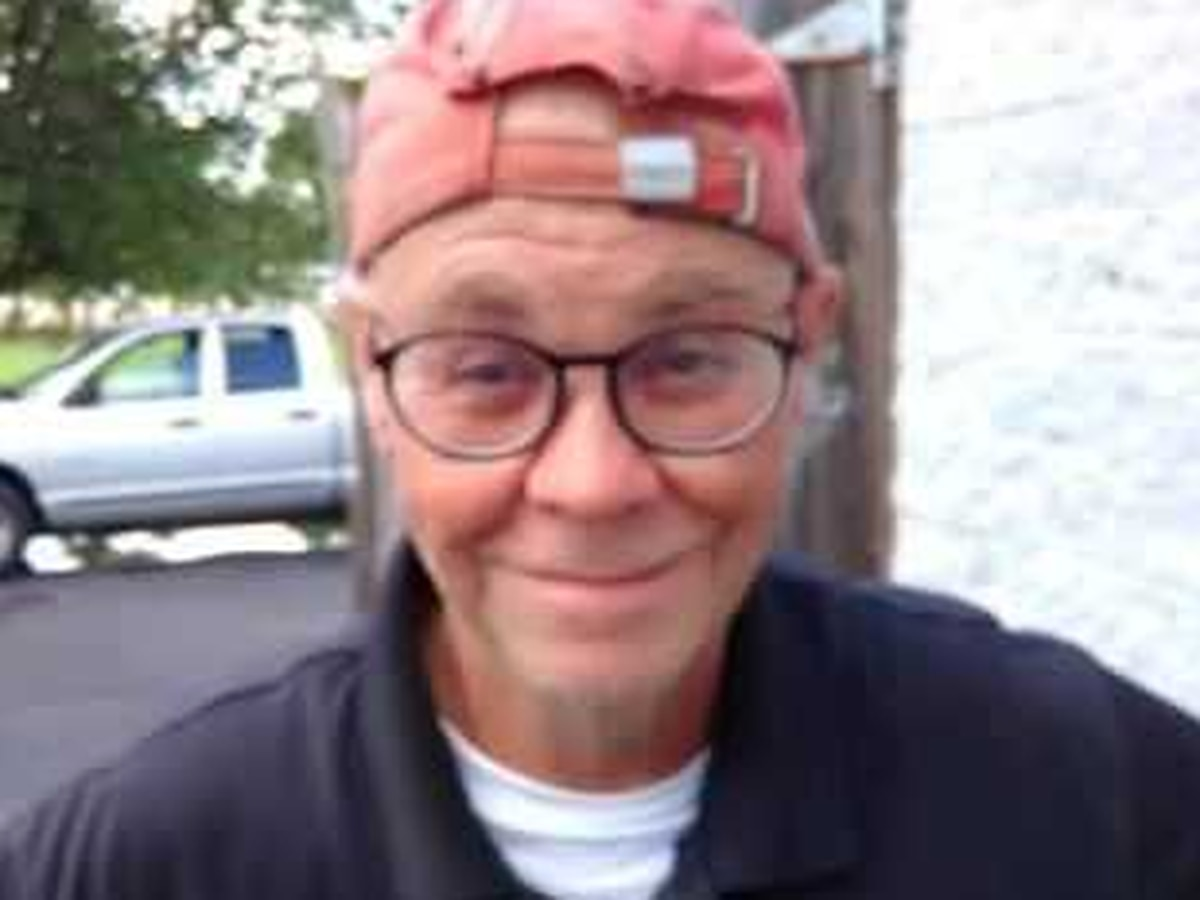 Hanover deputies search for missing deaf man