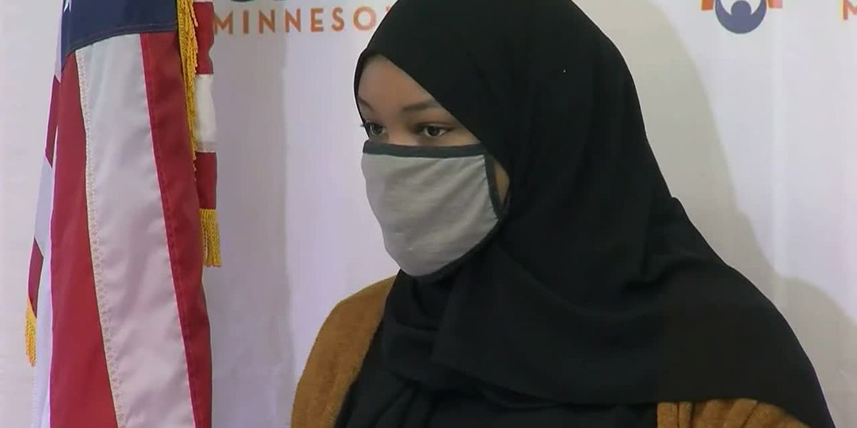 'I was in shock': Muslim woman says Minn. barista wrote 'ISIS' on her Starbucks cup