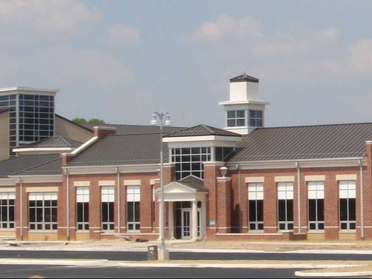 Teen found with gun at Dinwiddie High School