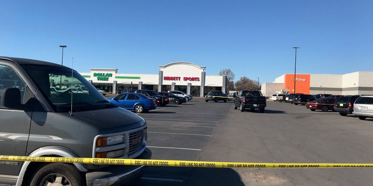 POLICE: Three people killed outside Duncan, Okla. Walmart