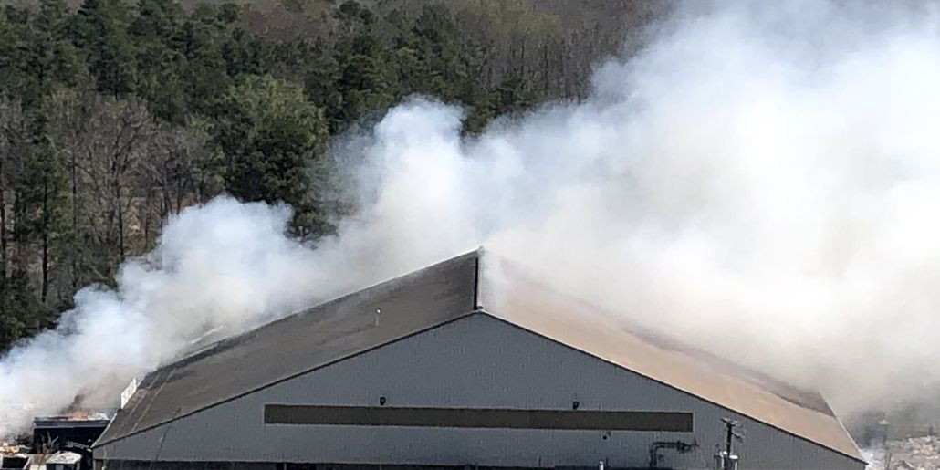 No one injured in 2-alarm warehouse fire