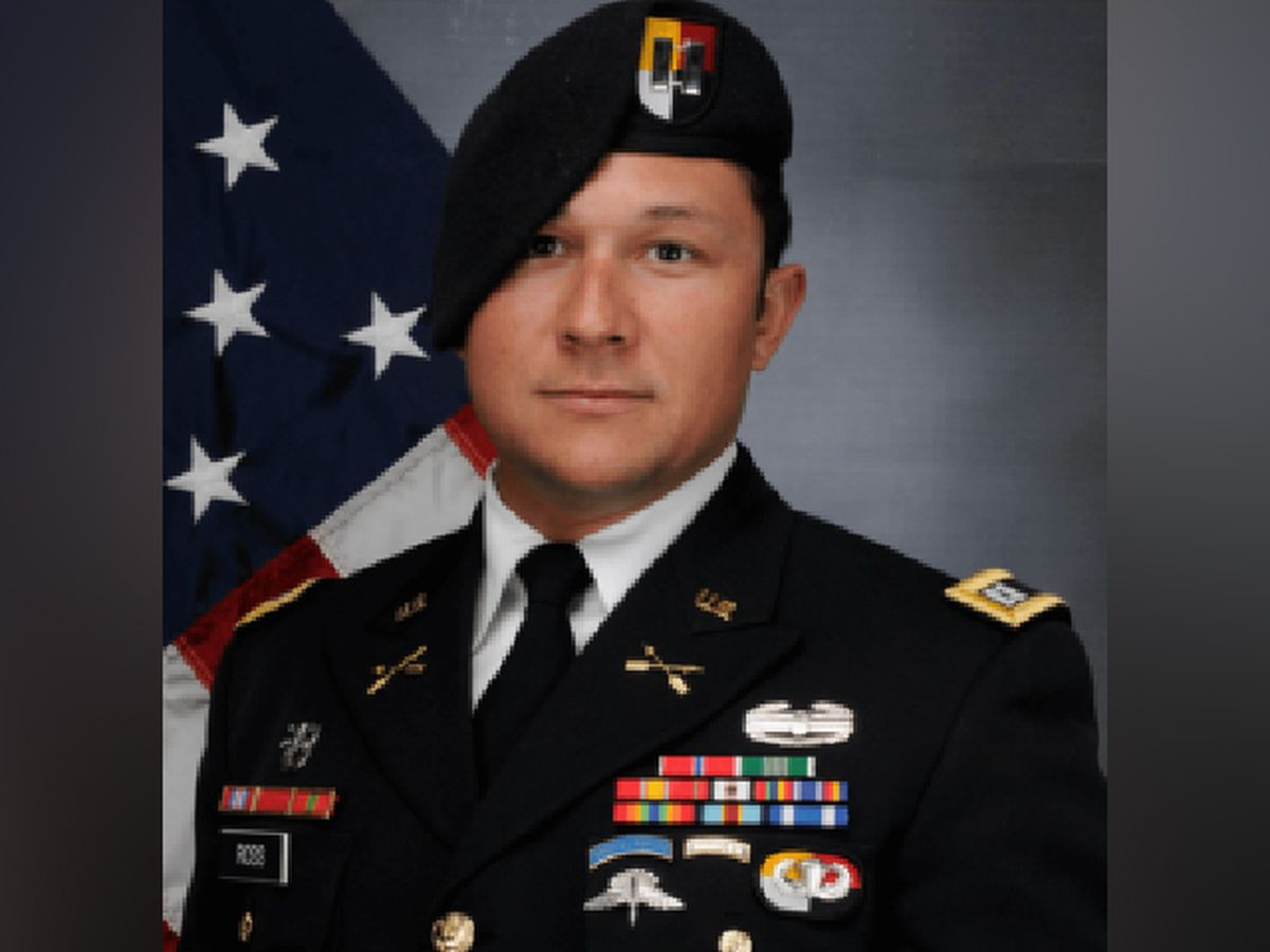 Flags flying at half-staff in memorial of Green Beret killed in Afghanistan