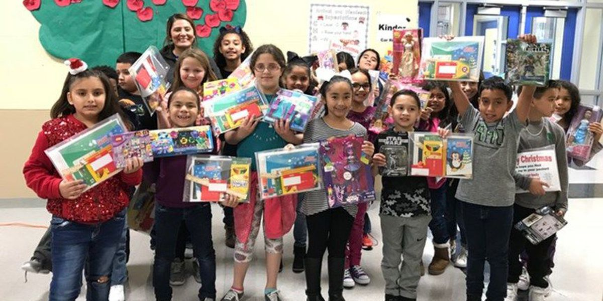 Sisters deliver toys for children in Houston