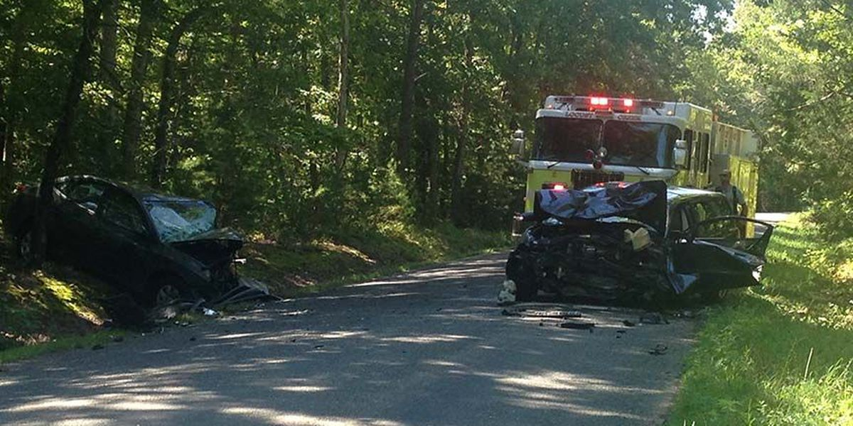 Teenager killed in 2-vehicle crash in Louisa County