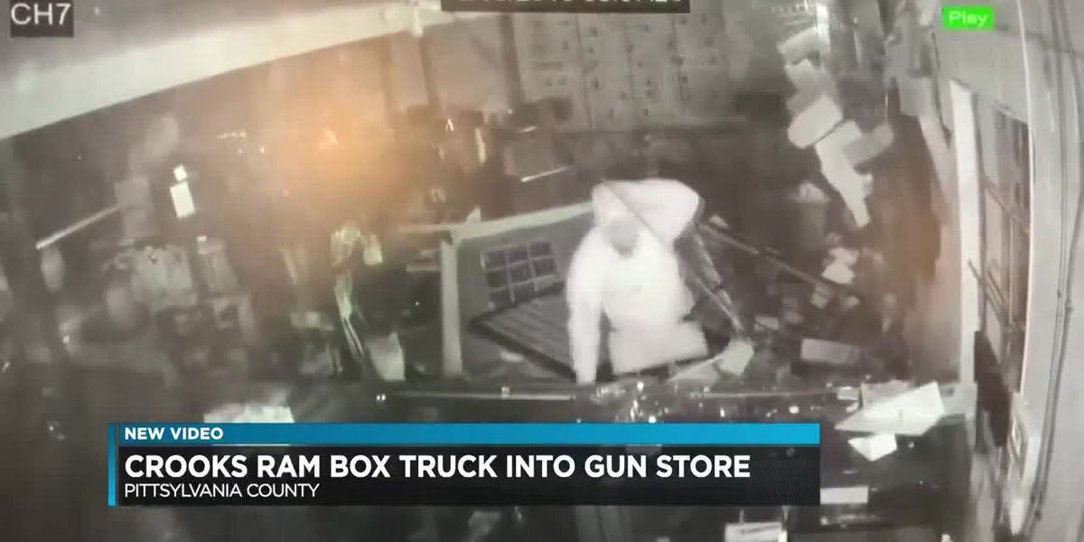 Thieves ram box truck into gun store