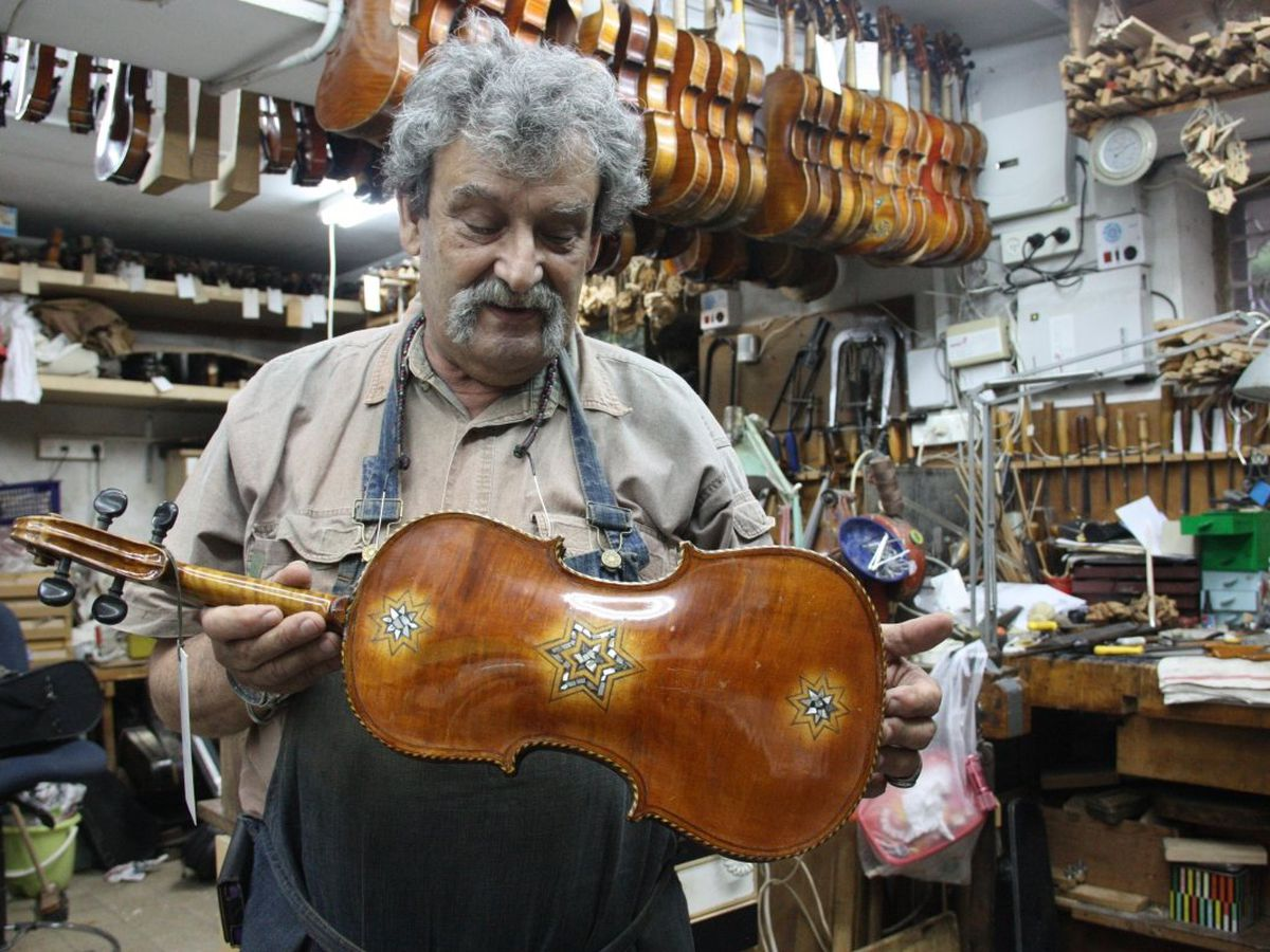 Violins played by Jewish musicians during Holocaust make way to Richmond museums
