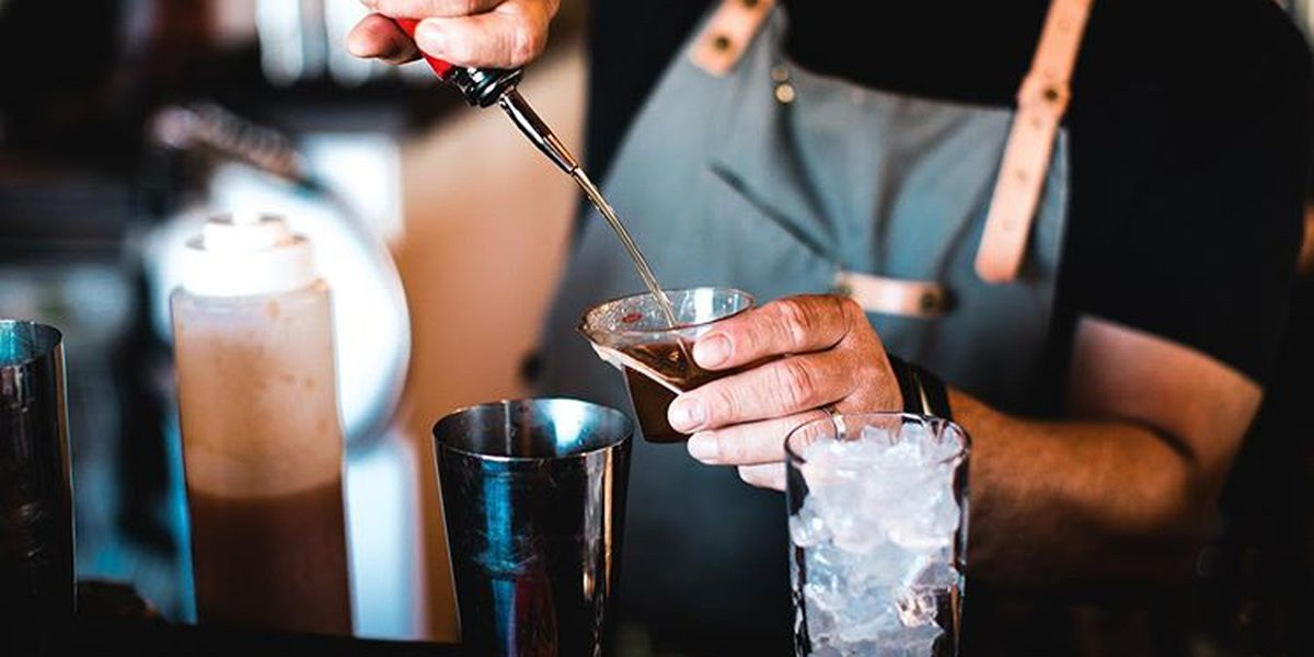 Northam signs bill extending sale of cocktails to-go