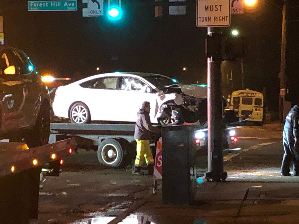2 injured in Richmond crash