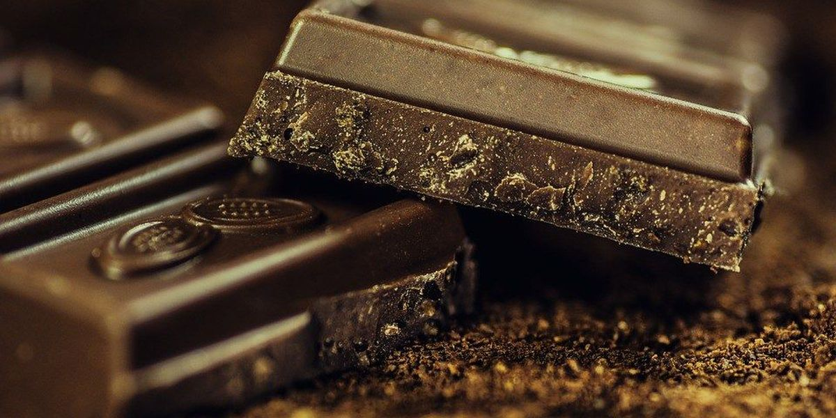 Experts: Dark chocolate has nutrients that can protect your heart
