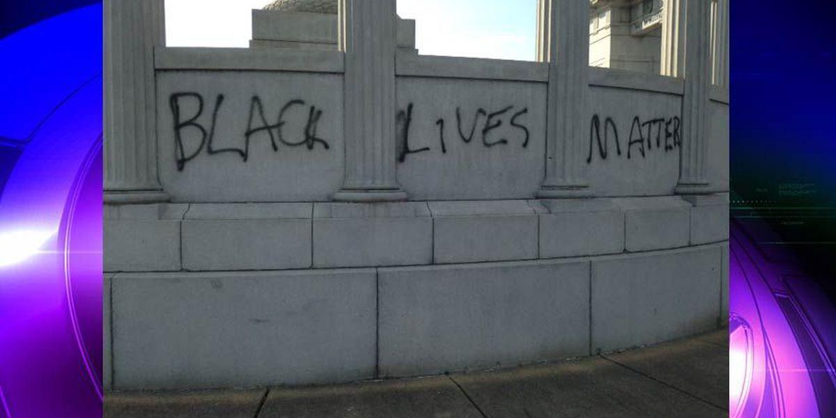 PICTURES: Richmond's Jefferson Davis monument vandalized