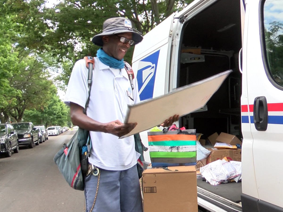 Richmond mail carrier honored by residents for going above and beyond