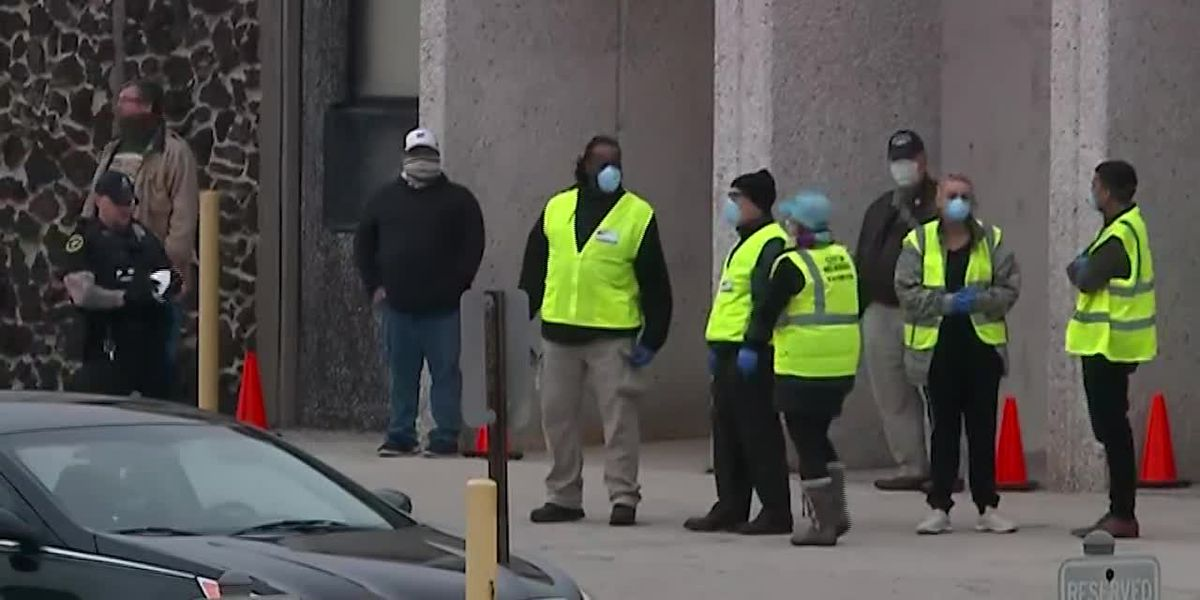 Wisconsin election sees long lines despite pandemic