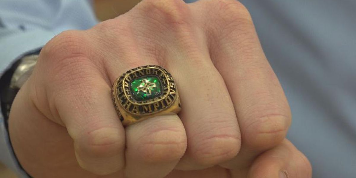 Good Samaritan returns ring lost in 2006 back to Roanoke Catholic alum
