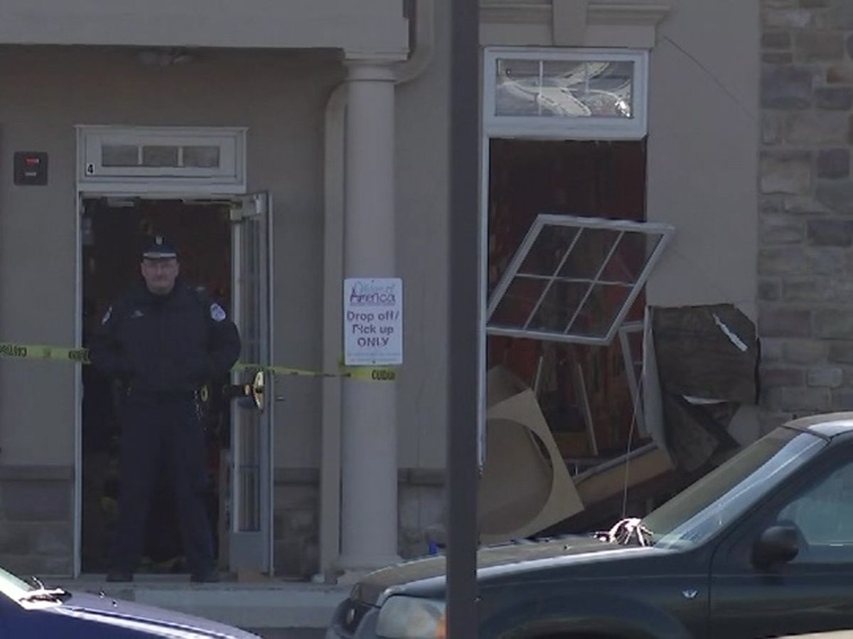 4 kids sent to hospital after Pa. delivery driver plows into day care