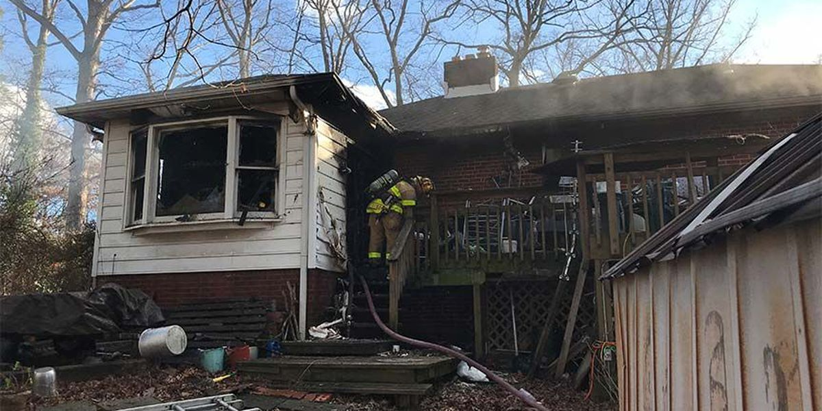 2 displaced after fire at Henrico home