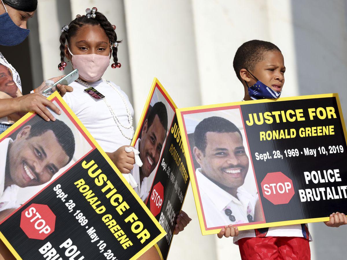 AP: Trooper's mic records talk of beating, choking Black man