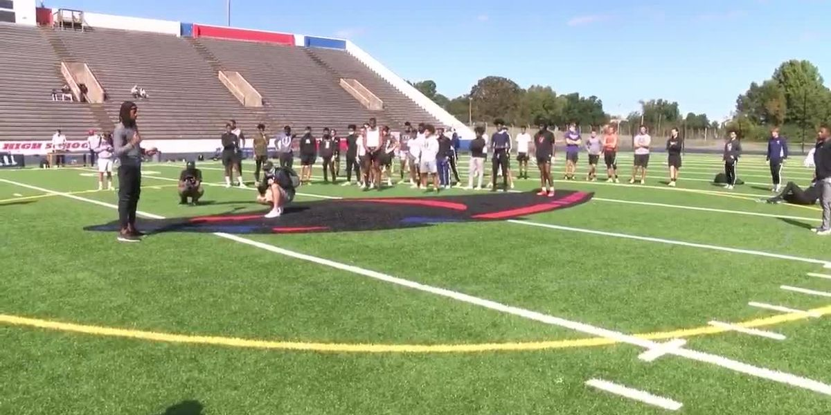High school football players sharpen skills at The Clinic