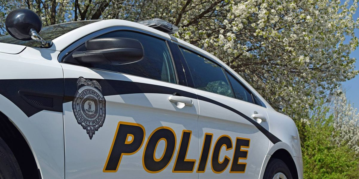 Chesterfield police search for driver who struck pedestrian