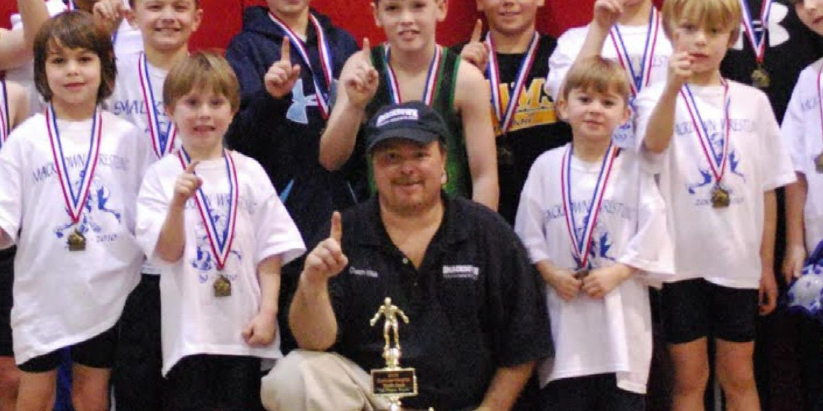 Acts of Kindness: Smackdown coach devoted to kids