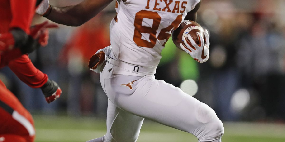 Ehlinger's 4th TD lifts No. 15 Texas to 41-34 win at Tech