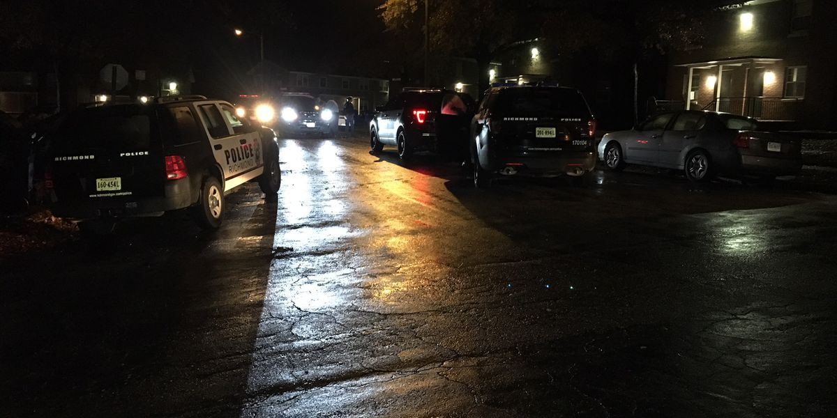 Police: 17-year-old found shot to death between apartment buildings
