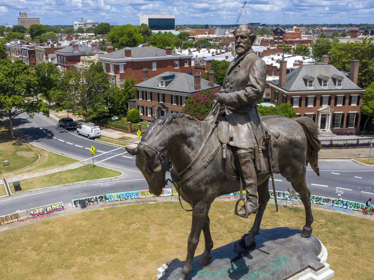 Lee statue to be cut apart during removal, reassembled