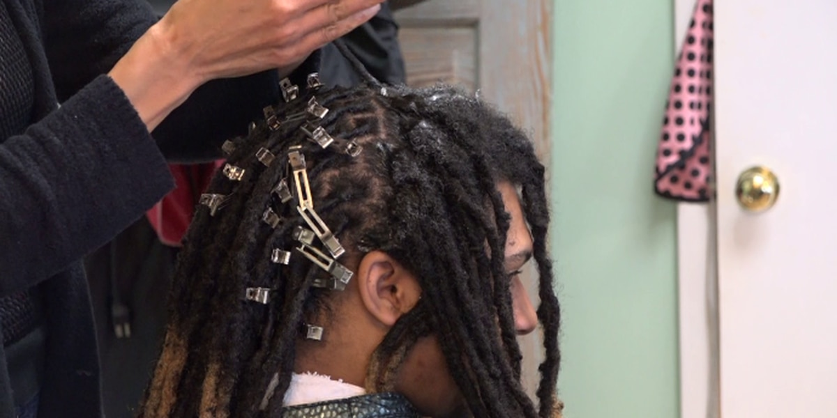 Gov. Northam signs bill to ban hair discrimination in Virginia