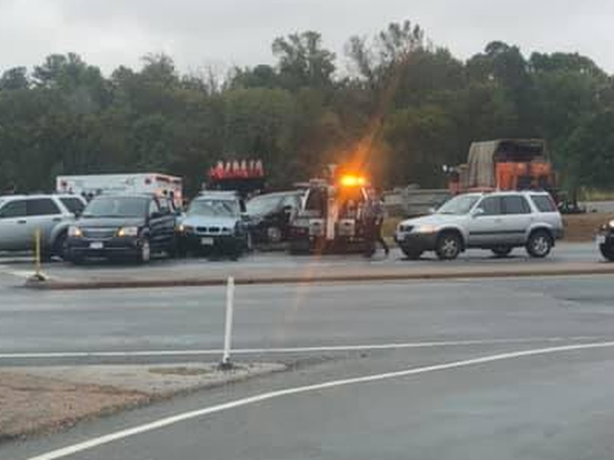 Driver charged in 6-vehicle crash in Henrico