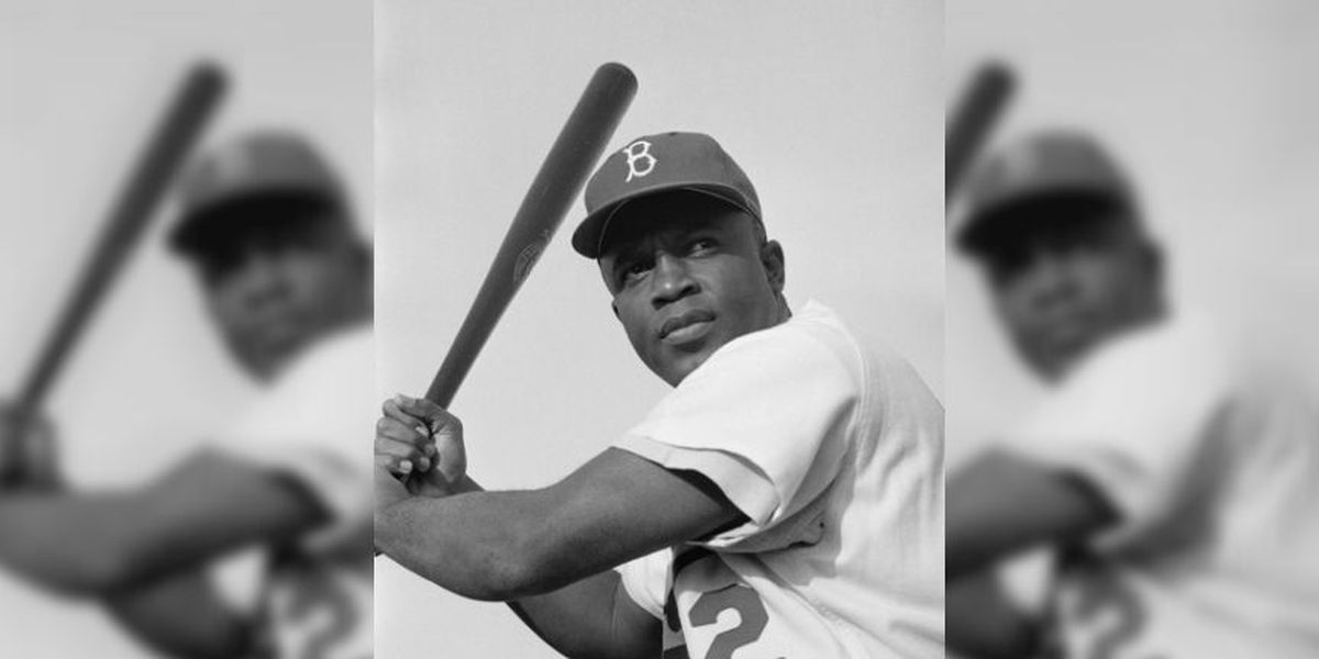 Flying Squirrels honor Jackie Robinson in pre-game ceremony