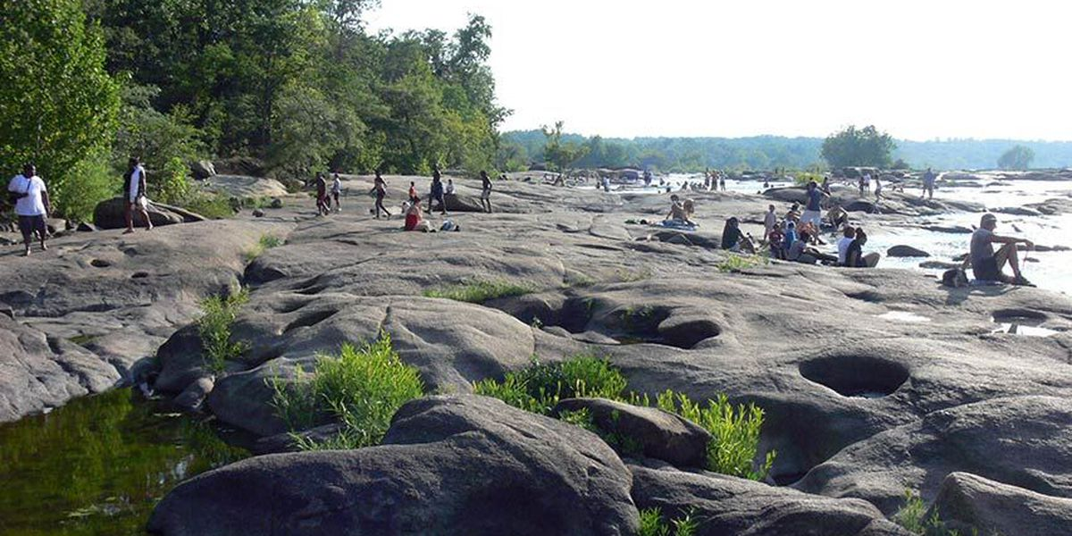 Girl sent to hospital after Belle Isle rescue