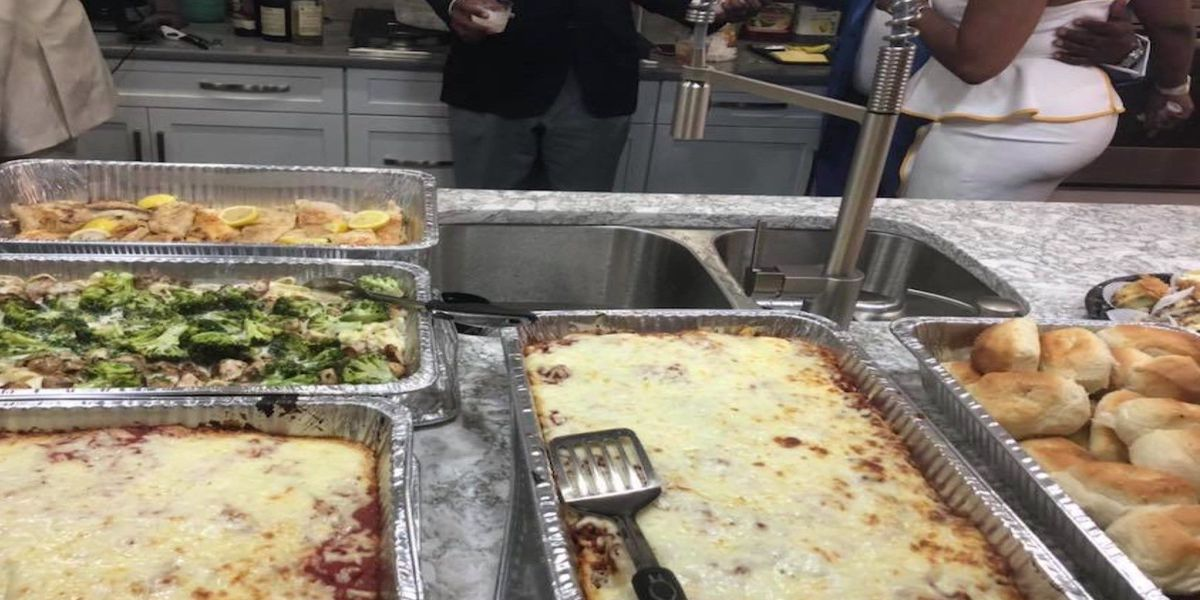 Couple hires caterer for wedding; food never arrives