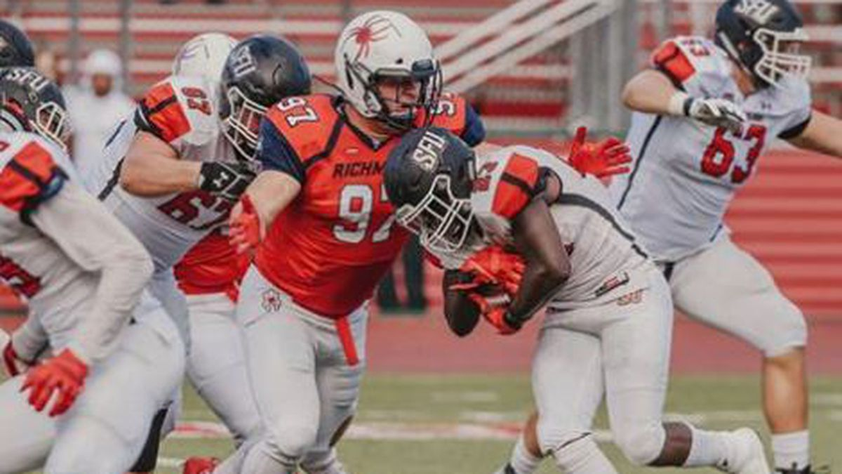 Spiders score 2 late touchdowns to pull off win