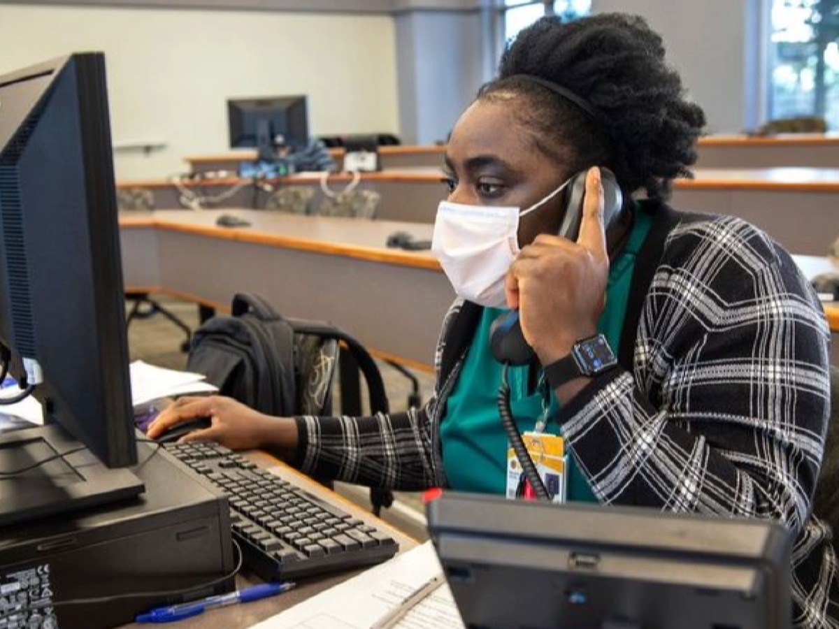 VCU nursing students run COVID-19 call center for hospitalized patients