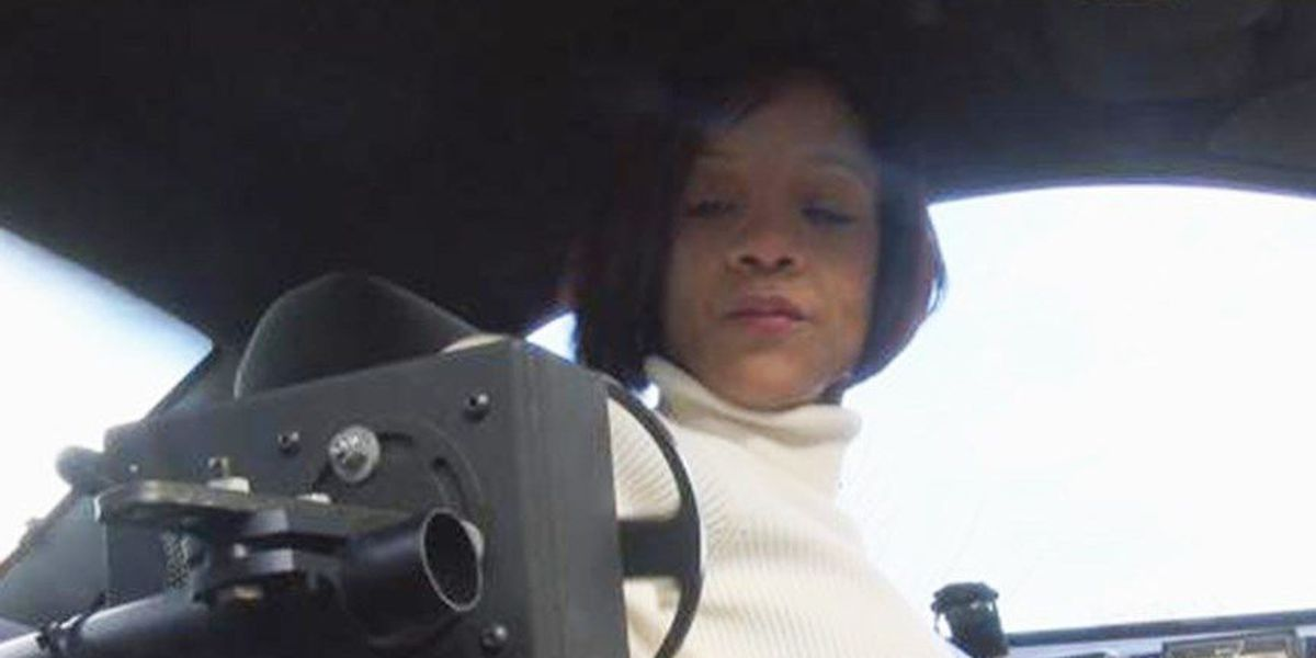 Petersburg woman without arms still in need of a car