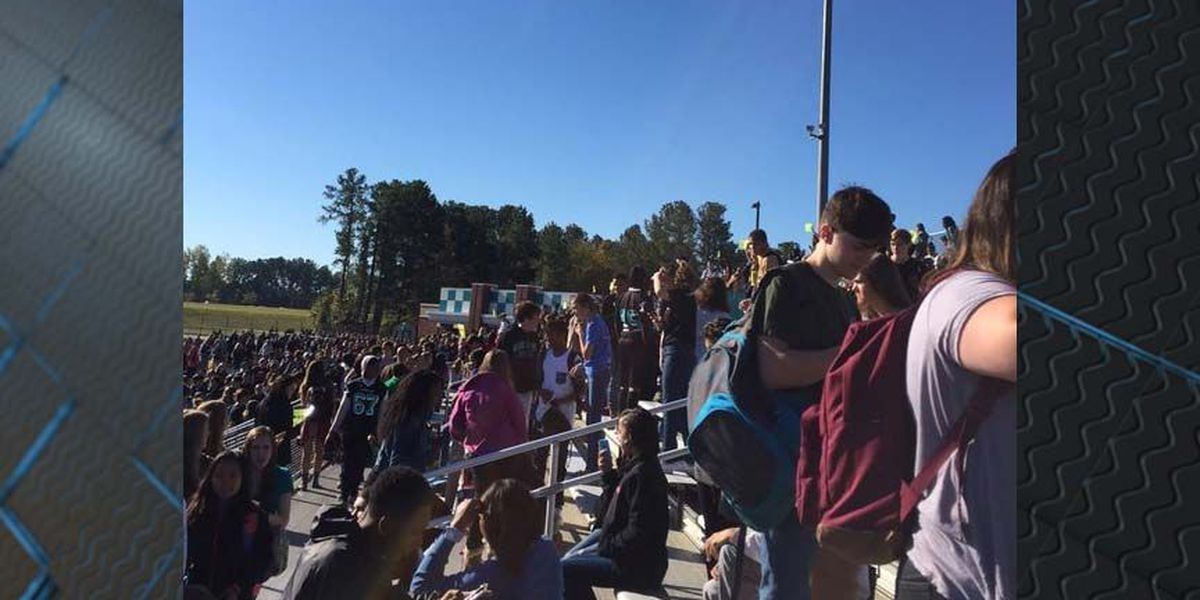 Teen arrested in connection to bomb threat at Glen Allen High School