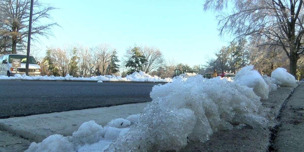 VDOT, crews monitor roads, ice across central Virginia