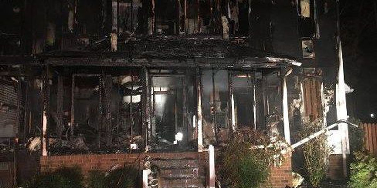 Man dies in overnight house fire in Midlothian